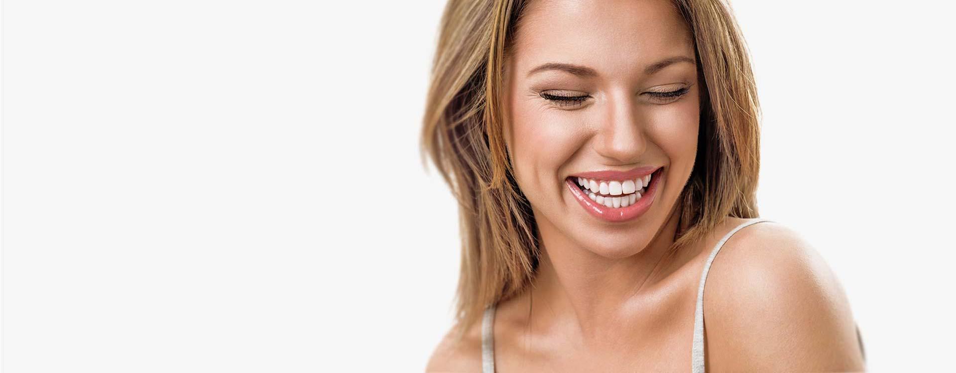En tandprotese – et smukt og harmonisk smil.